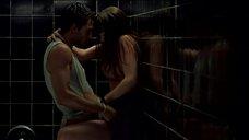 Секс с Аной де Армас в туалете