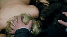 10. Групповой секс с Аной де Армас и Лоренцой Иззо – Кто там