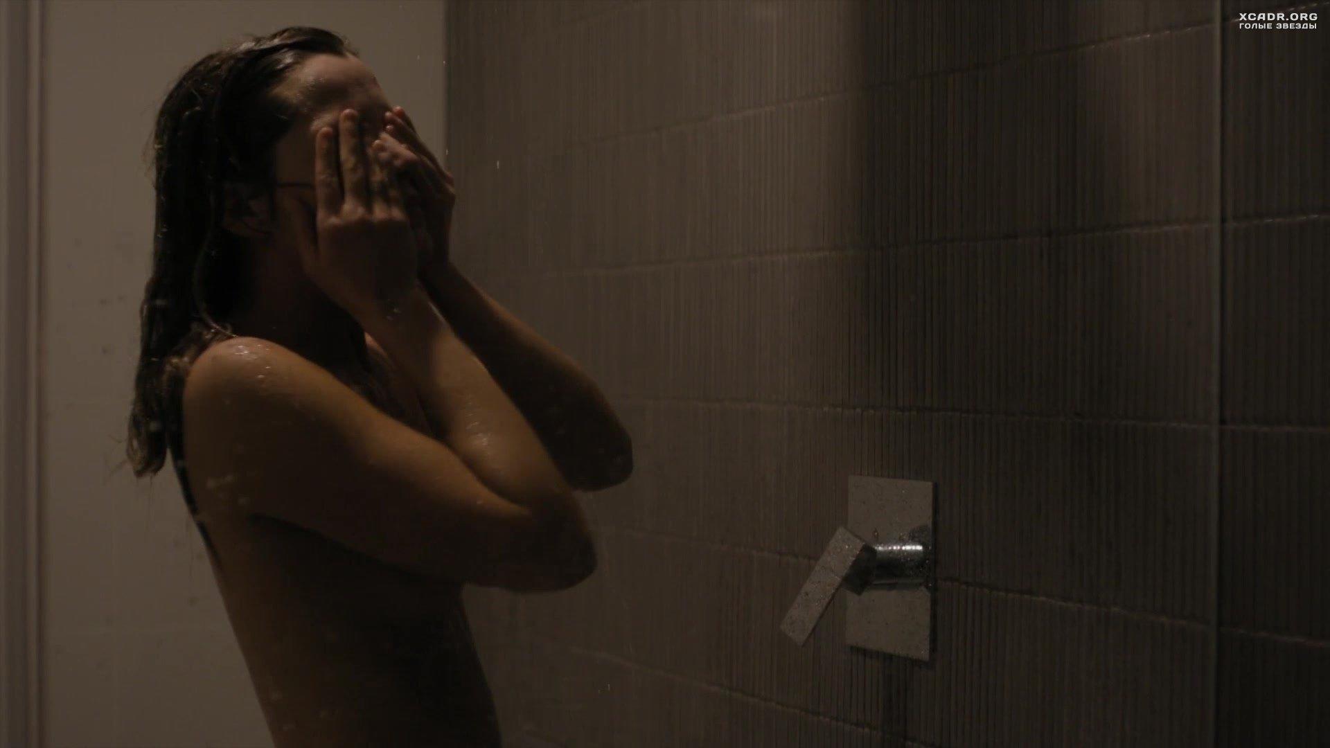 Мокрая Грудь Райли Кио – Девушка По Вызову (2020)