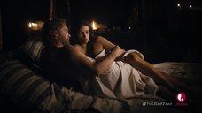 Интимная сцена с Мореной Баккарин