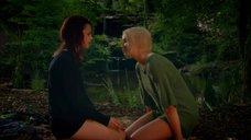 1. Лесбийская сцена с Кэтрин Прескотт и Лили Лавлесс – Молокососы