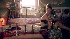 Фрагменты Секса С Энни Бун, Элизабет Энвейс, Маджейной Това И Джорджией Хатцис – Жеребец (2009)