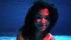 5. Поцелуй с Джессикой Сулой в бассейне – Молокососы