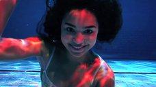 6. Поцелуй с Джессикой Сулой в бассейне – Молокососы