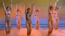 1. Танец полуголой Нонны Гришаевой – На Дерибасовской хорошая погода, или На Брайтон Бич опять идут дожди