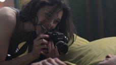 2. Астрид Берже-Фрисби засветила грудь – Секс ангелов