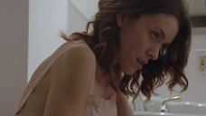 6. Эшлинн Йенни мастурбирует в туалете – Подчинение