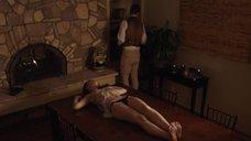 4. Обнаженная Анастасия Зорин привязана к столу – Подчинение