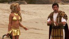 Тереза Палмер в золотом купальнике