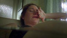 7. Кэтрин Хан мастурбируют в ванне – Жеребец