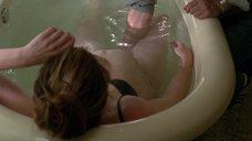 9. Кэтрин Хан мастурбируют в ванне – Жеребец