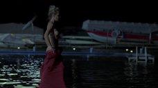 2. Сексапильная Энн Хеч купается в озере – Жеребец