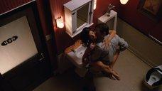 5. Секс с Аной Ортис в туалете – Жеребец