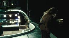 4. Тереза Палмер плавает под водой – На гребне волны