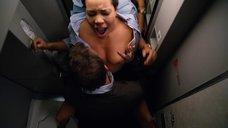 15. Секс с Кэндис Коук в самолете – Жеребец