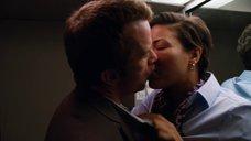 2. Секс с Кэндис Коук в самолете – Жеребец