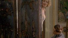 1. Хелен Хант в откровенном наряде – Хорошая женщина