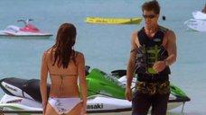 3. Тони Саблан и Джоанна Крупа в купальниках – Макс-разрушитель: Проклятие нефритового дракона