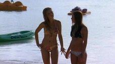 9. Тони Саблан и Джоанна Крупа в купальниках – Макс-разрушитель: Проклятие нефритового дракона