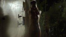 2. Скин Даймонд плачет под душем – Подчинение