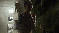 6. Скин Даймонд плачет под душем – Подчинение