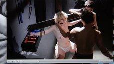 Прикованная голая Джена Айвори с кляпом во рту