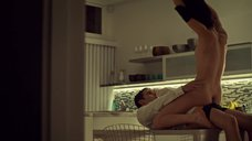 27. Секс с Татьяной Маслани на кухне – Темное дитя