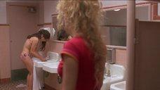 1. Наташа Лионн в купальнике – Трущобы Беверли Хиллз