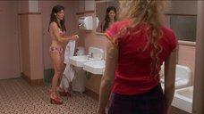 4. Наташа Лионн в купальнике – Трущобы Беверли Хиллз