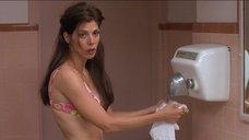 5. Наташа Лионн в купальнике – Трущобы Беверли Хиллз