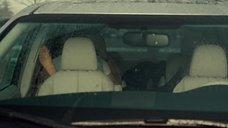 Секс с Татьяной Маслани в машине