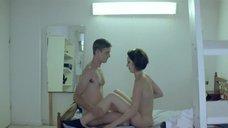 8. Секс с Анной Калаицидоу – Клык