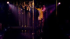5. Эротический танец Марисы Томей у шеста – Рестлер