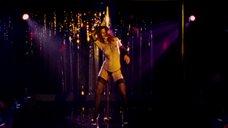 9. Эротический танец Марисы Томей у шеста – Рестлер