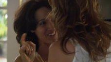 4. Лесбийский поцелуй Дженнифер Билз и Марли Мэтлин – Секс в другом городе
