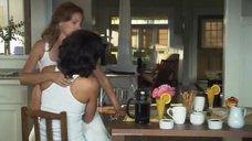 8. Лесбийский поцелуй Дженнифер Билз и Марли Мэтлин – Секс в другом городе