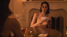 12. Рэйчел Шелли и Сандрин Холт играют в карты на раздевание – Секс в другом городе
