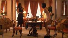 16. Рэйчел Шелли и Сандрин Холт играют в карты на раздевание – Секс в другом городе