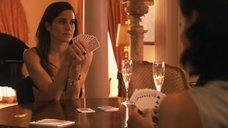 2. Рэйчел Шелли и Сандрин Холт играют в карты на раздевание – Секс в другом городе