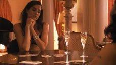 4. Рэйчел Шелли и Сандрин Холт играют в карты на раздевание – Секс в другом городе