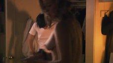 37. Эротическая сцена с Кристанной Локен и Кэтрин Менниг – Секс в другом городе