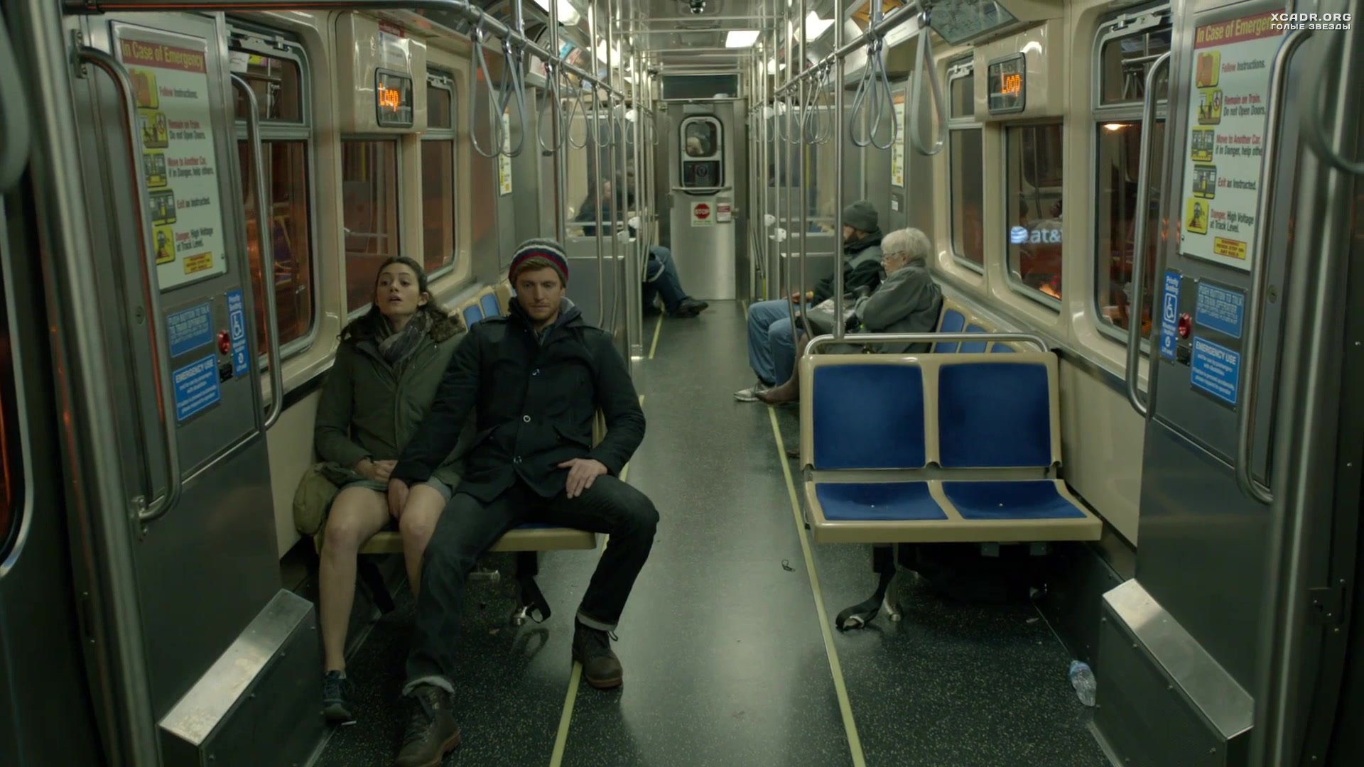 мастурбируют в метро