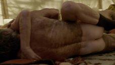 1. Секс с Кристин Келлогг Дэррин в палатке – Бесстыжие