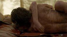 2. Секс с Кристин Келлогг Дэррин в палатке – Бесстыжие