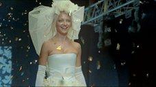 Сексуальная Екатерина Вилкова в свадебном платье
