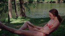 Камилль Китон в купальнике