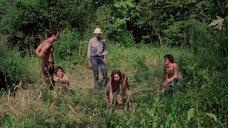 1. Полностью голая Камилль Китон после изнасилования в лесу – День женщины