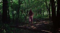 11. Полностью голая Камилль Китон после изнасилования в лесу – День женщины