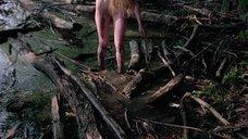 12. Полностью голая Камилль Китон после изнасилования в лесу – День женщины