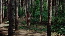 18. Полностью голая Камилль Китон после изнасилования в лесу – День женщины
